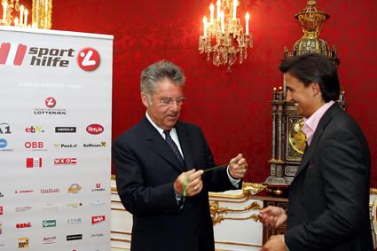 Sporthilfe Wunscharmband 2007: Pressekonferenz mit HBP Dr. Fischer & Mag. Heralic in der Hofburg