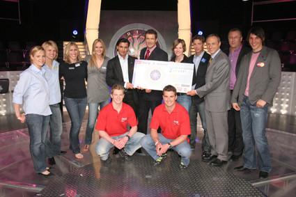 Sporthilfe Millionenshow 2006: Übergabe des Förderschecks
