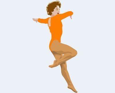 坐骨神経痛・腰痛、心臓と肺の痛み、歯痛がなくなり踊り喜ぶ女性