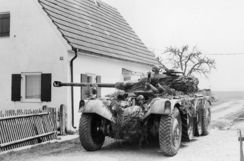 A l'embuscade dans un village de l'Est de la France lors d'un exercice