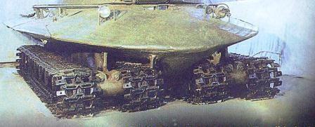 Les poutres longitudinales servent également de réservoir à carburant