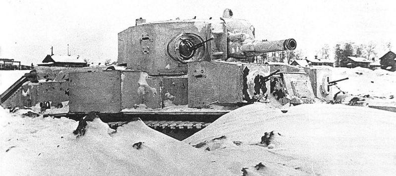 Pris de vitesse par la Blitzkrieg, le T-28 n'aura finalement pas eu l'occasion de montrer son potentiel