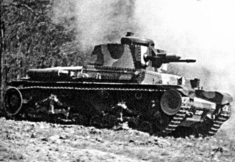 Symbole de puissance, le LT vz.35 participe activement à la défense de ses frontières