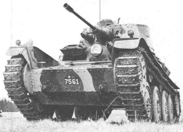 La Suisse prend possession en 2 fois de ces Panzer 39, les chars de la deuxième série étant livrés incomplets