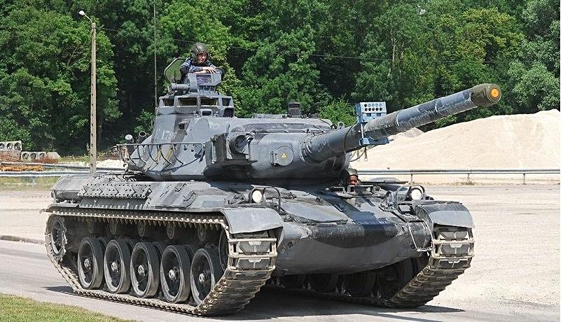 De conception assez proche, l'AMX30 est la réponse française au Léopard