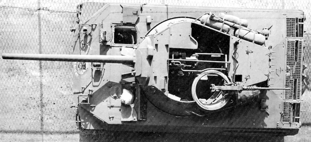 Le M18 dans sa version finale. Notez l'inscription Hellcat sur le glacis avant
