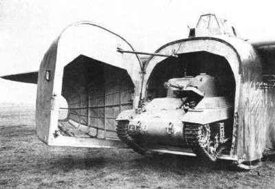 Destiné initialement au Tetrach, le Halimcar permet aux Britanniques d'exploiter le Locust