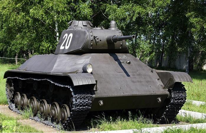Le T-50 dans sa version finale. Il reste assez peu de survivant dû à son faible nombre opérationnel.