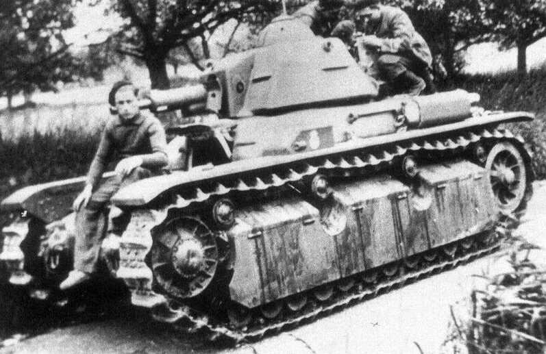 Le R40 est enfin pensé pour la lutte antichar avec un canon capable de venir à bout de tous les Panzers en 1940