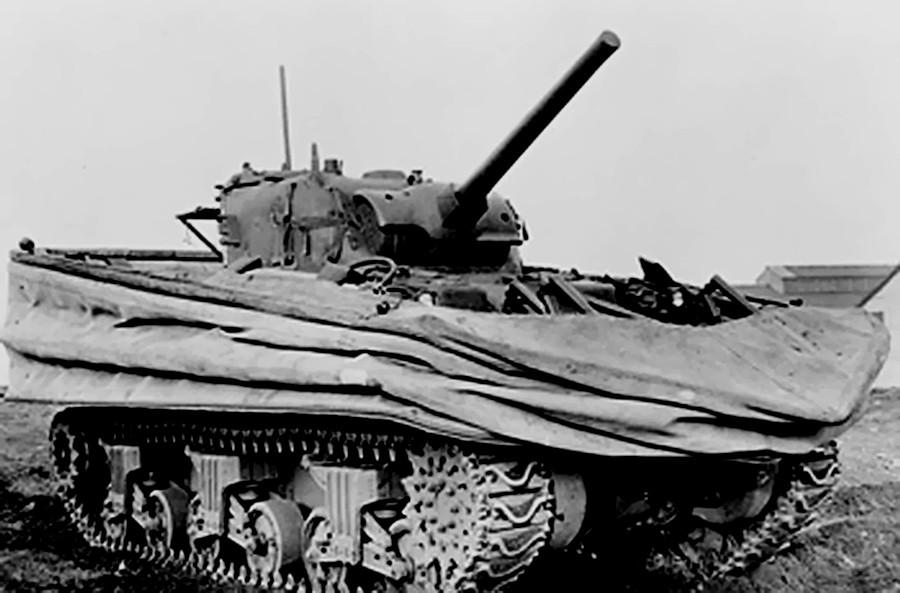 Percy Hobart est le père des Funnies Tanks, à l'image de ce Sherman DD
