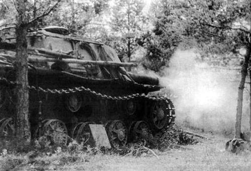 Le SU-152 joue la carte de l'embuscade à courte portée pour détruire ses adversaires