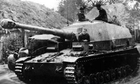 Les Dicker Max participent à l'Opération Barbarossa et vont s'illustrer dès les premières heures de l'invasion