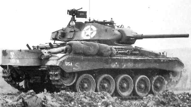 Le char est aussi utilisé sur le front italien, mais à une échelle bien moindre