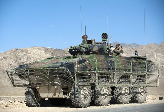 VBCI français équipé de ses filets anti-rpg ici en Afghanistan