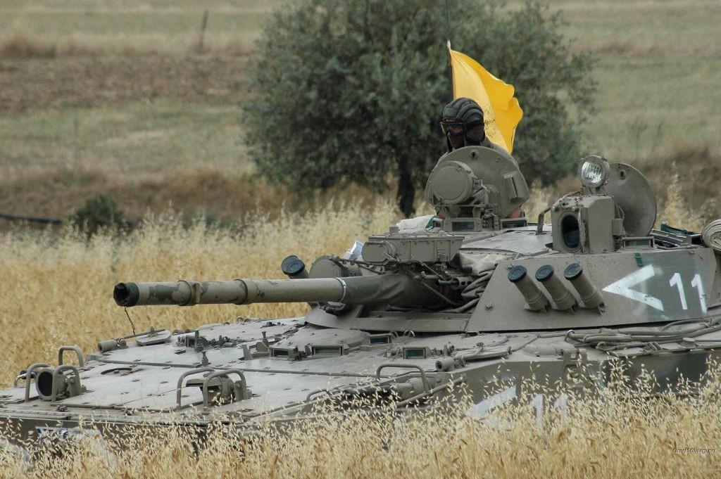 Le BMP-3 aligne un armement très imposant pour un blindé d'accompagnement d'infanterie