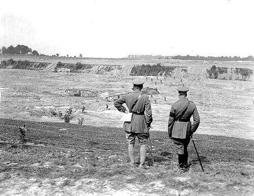 Hugh Elles et Percy Hobart vont s'inspirer de la doctine de la première guerre mondiale pour choisir le char à développer