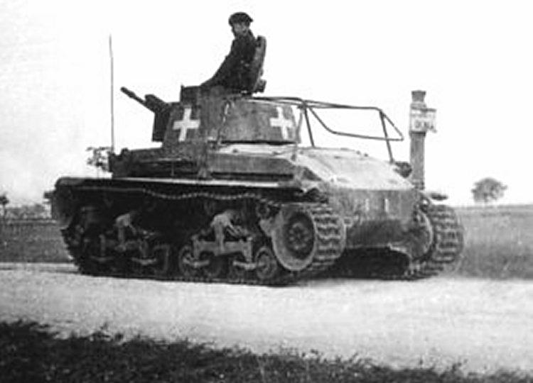 Les Panzerbefehlswagen 35 (t) sont facilement distinguables par l'antenne spécifique à l'arrière du char