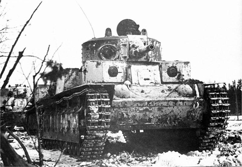 Les T-28 ne brillent pas au combat en Finlande. Une version surblindée verra le jour pour pallier les performances grandissantes des canons antichars