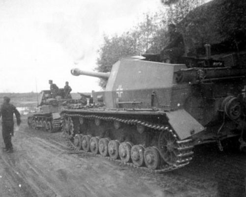 Jusqu'à l'arrivée du Tigre et son 88mm, aucun blindé n'affiche une meilleure de puissance de feu que le Dicker Max