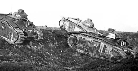 Contrairement aux Panzers, les B1 Bis sont très rarement employés seuls, et perdent une partie de leur potentiel