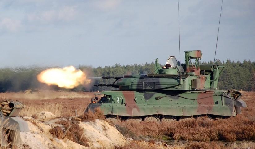 Le Shilka est capable d'engager des cibles terrestres légères avec succès et de saturer un secteur