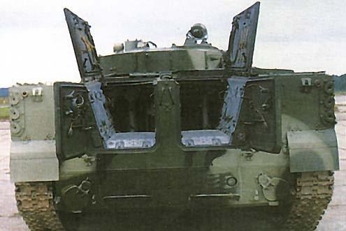 Les trappes arrières sont très étroites pour l'infanterie embarquée