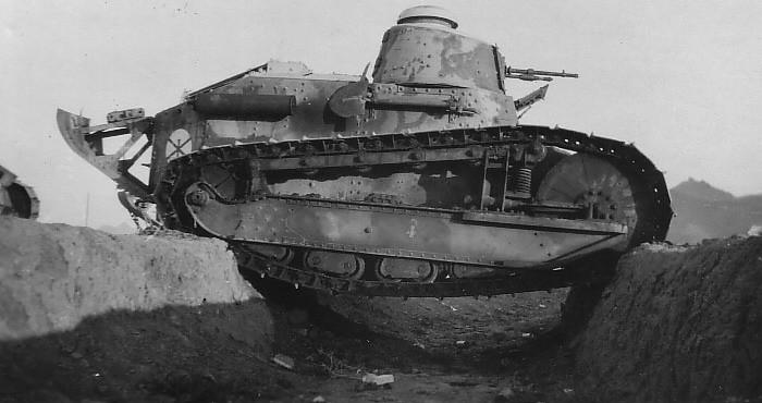 Fer de lance des armées en 1917, la puissance de feu du FT-17 reste en dessus des modèles allemands et britanniques