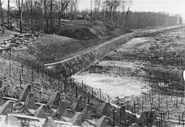 La ligne Siegfreid : réplique allemande de la ligne Maginot française