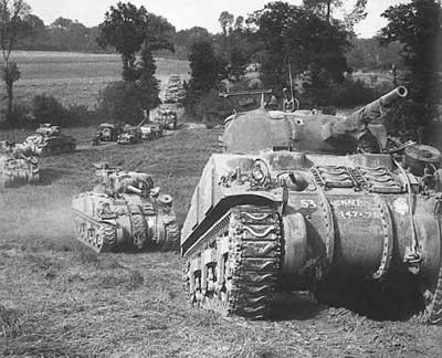 Le M4 Sherman, plus rapide et plus simple à produire destitue le M6 de son rang de char opérationnel
