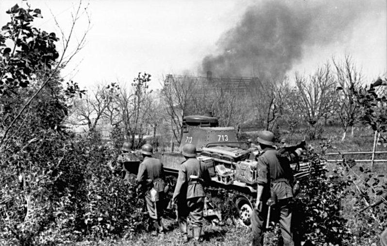 Le Panzer 35 (t) va s'illustrer contre les blindés français en 1940, où les panzers I et II peinent