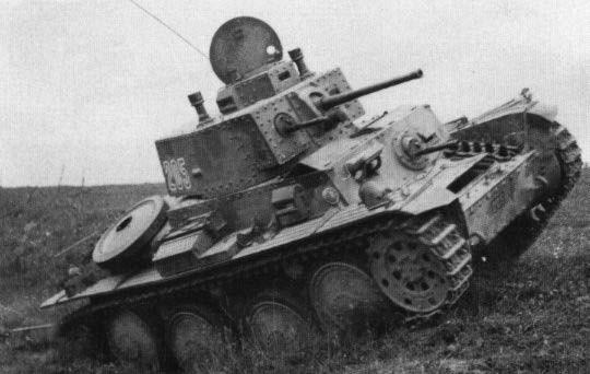 Le TNH-PS, baptisé Stridsvagn m/41 est contruit directement par Skoda après l'achat de la licence