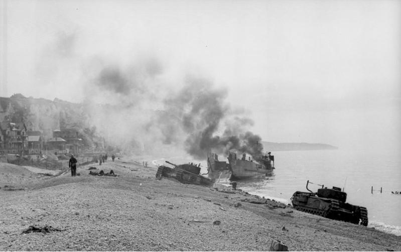 Le débarquement de Dieppe est une catastrophe pour le baptème de feu du Churchill