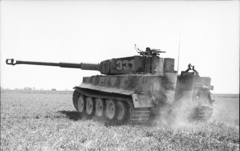 Le canon de 88mm du Tigre va prendre le relai dans les plaines de l'Est et semer la terreur chez les équipages soviétiques