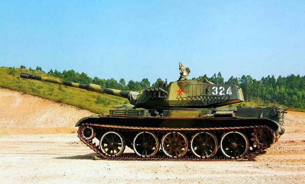 Avec la nouvelle tourelle, un canon très performant peut enfin être installé, donnant au Type 62 un bond en avant dans sa puissance de feu