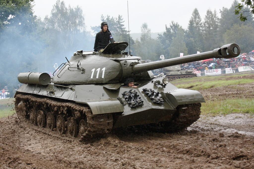 Toujours plus puissants, toujours plus blindés, toujours plus lourds, à l'exemple de cet IS-3m