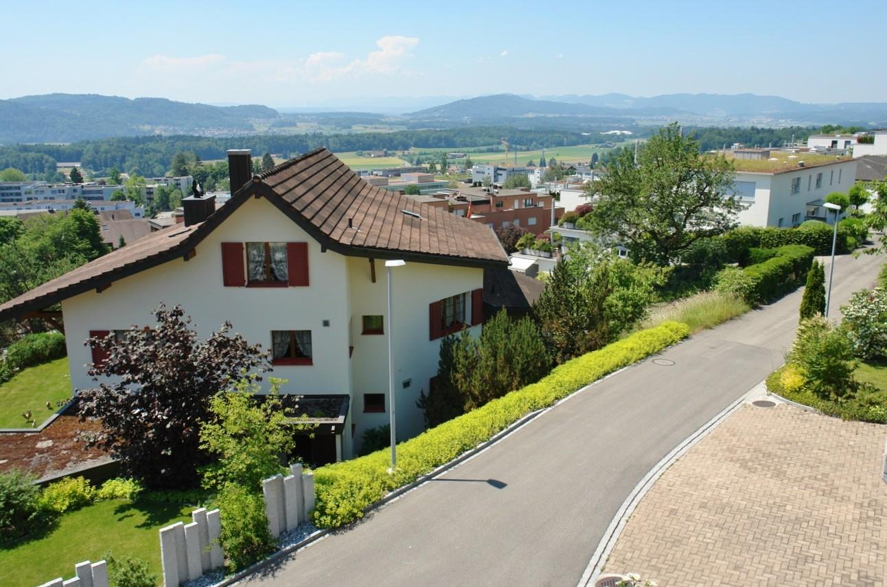 Panorama-Ausblick, hier aus dem Estrichgeschoss, Richtung Südwesten