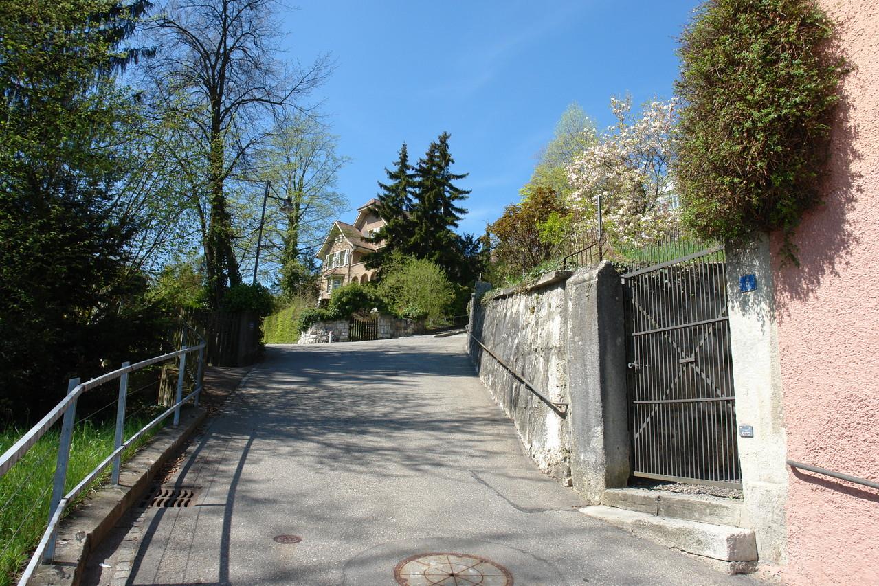 Noble Umgebung: Der Schlossbergweg