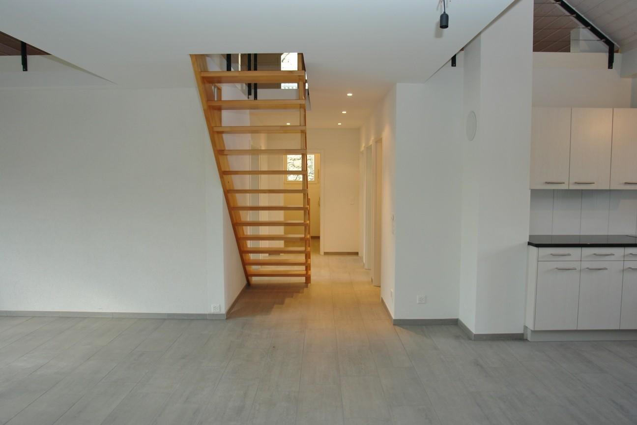 Korridor mit Aufgang ins Galeriegeschoss