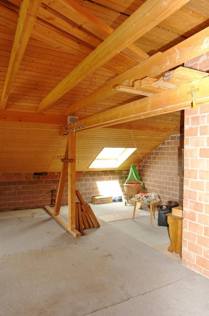 Im noch unausgebauten Dachgeschoss