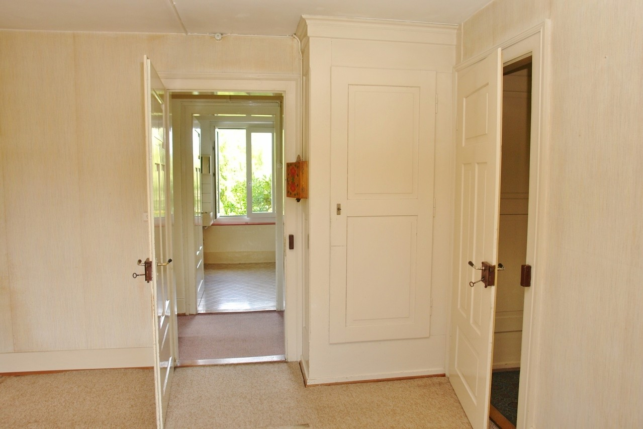 Alles original: Wandkästen, Böden, Türen