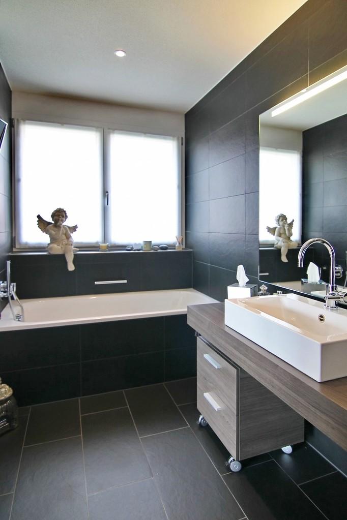 Eltern-Bad (En-suite-Anordnung)