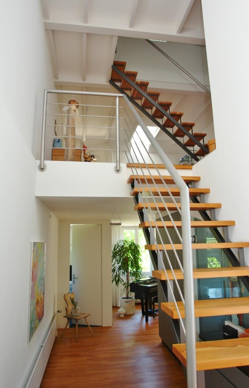 Aufgänge ins Ober- und ins Dachgeschoss