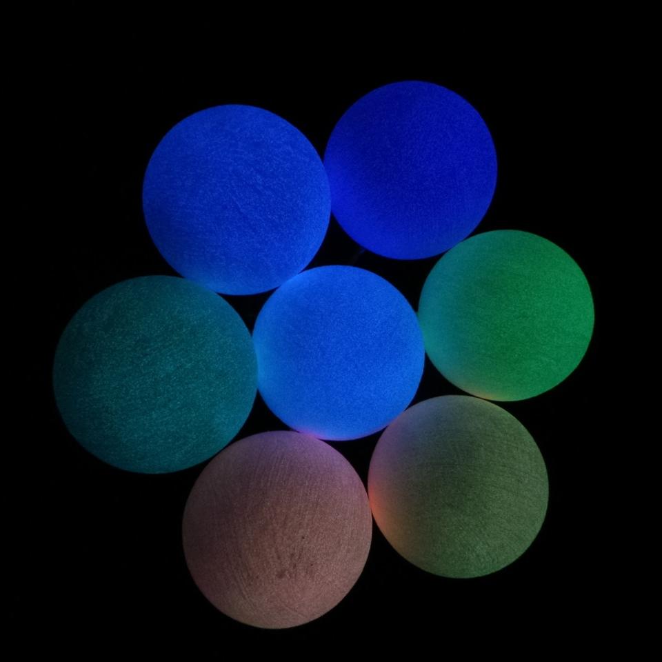 leuchtfarbe pfeile farbe die leuchtet coluxglow shop. Black Bedroom Furniture Sets. Home Design Ideas