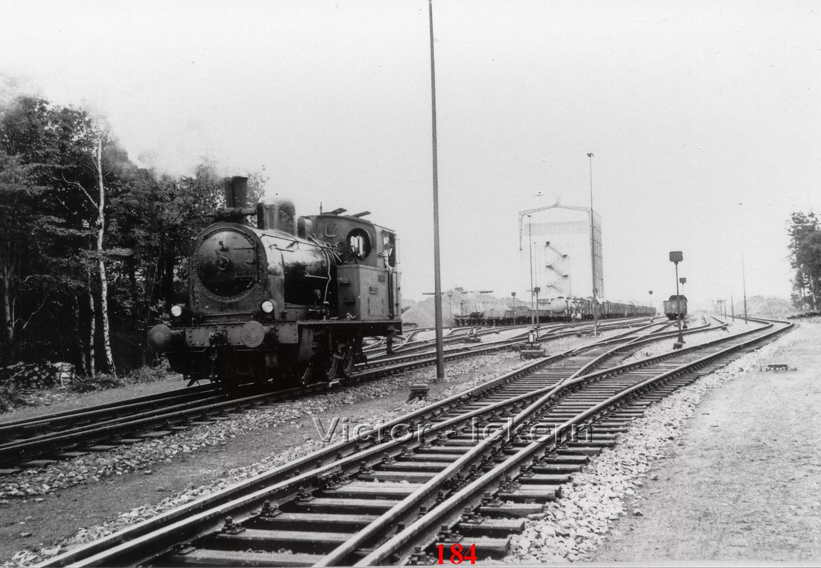 Verschiebebahnhof mit Lok Victor X, Hintergrund Kraftwerkskohlenbunker   1960