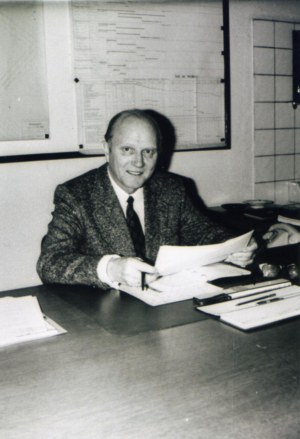 Betriebsführer Aus und Vorrichtung Willi Köpper