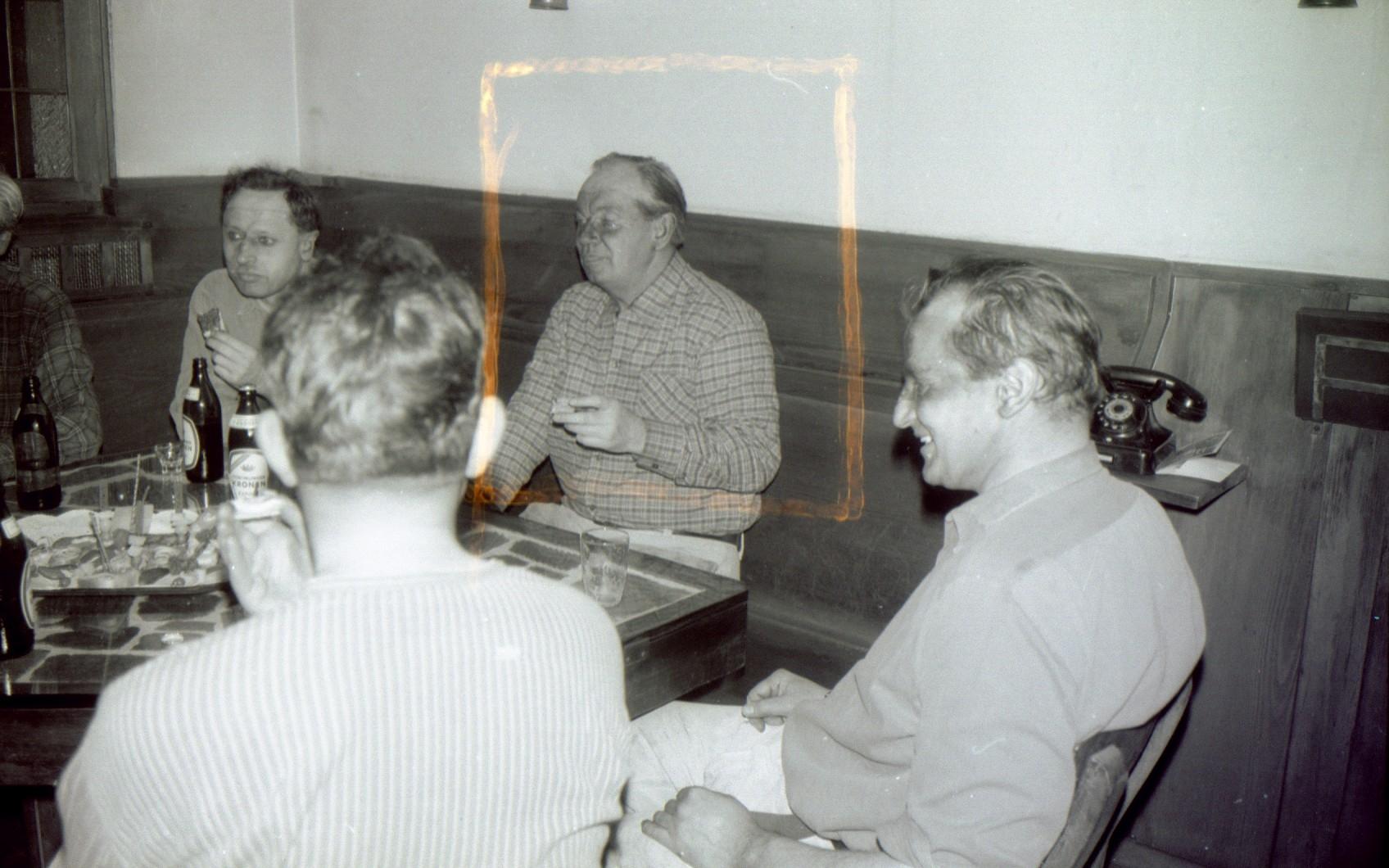 Bergrat Kaiser - Direktor Hess rechts