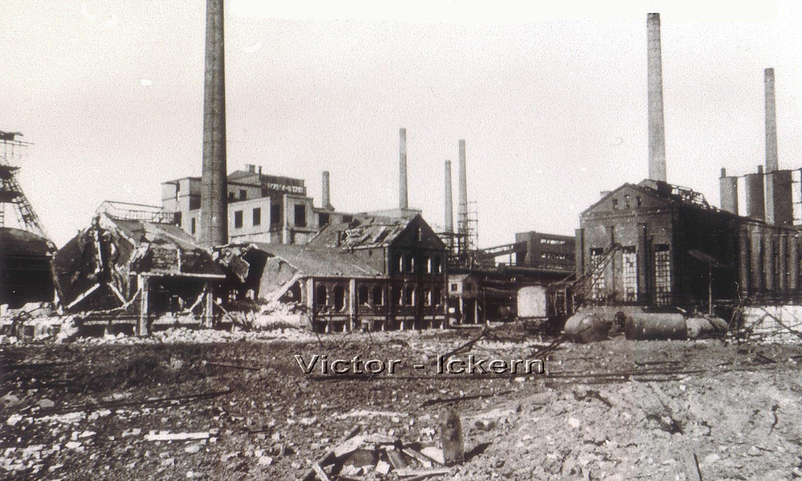 Victor III/IV nach dem Bombenangriff vom 11. 09.1944, links Schacht III