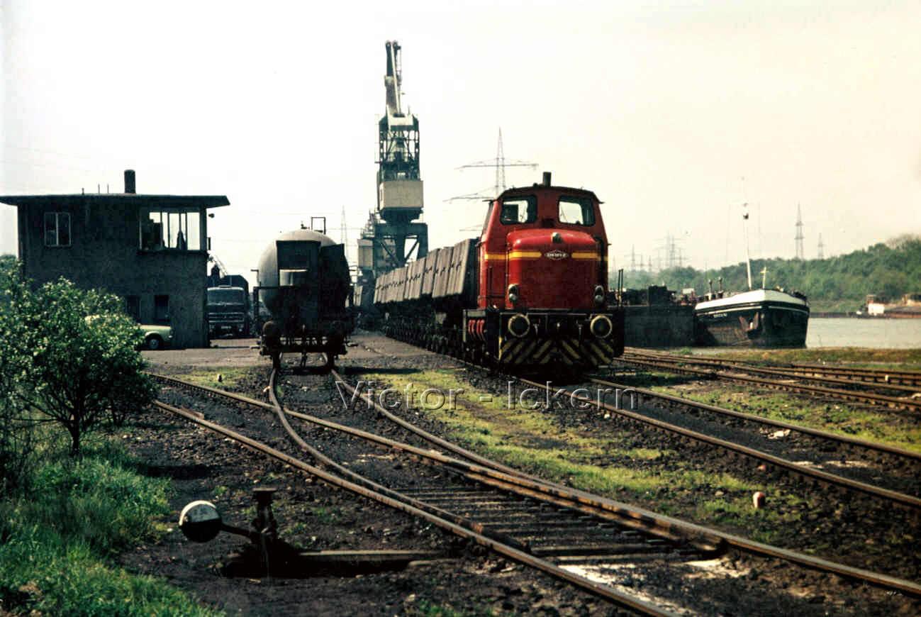 Diesellok am Victorhafen   1971