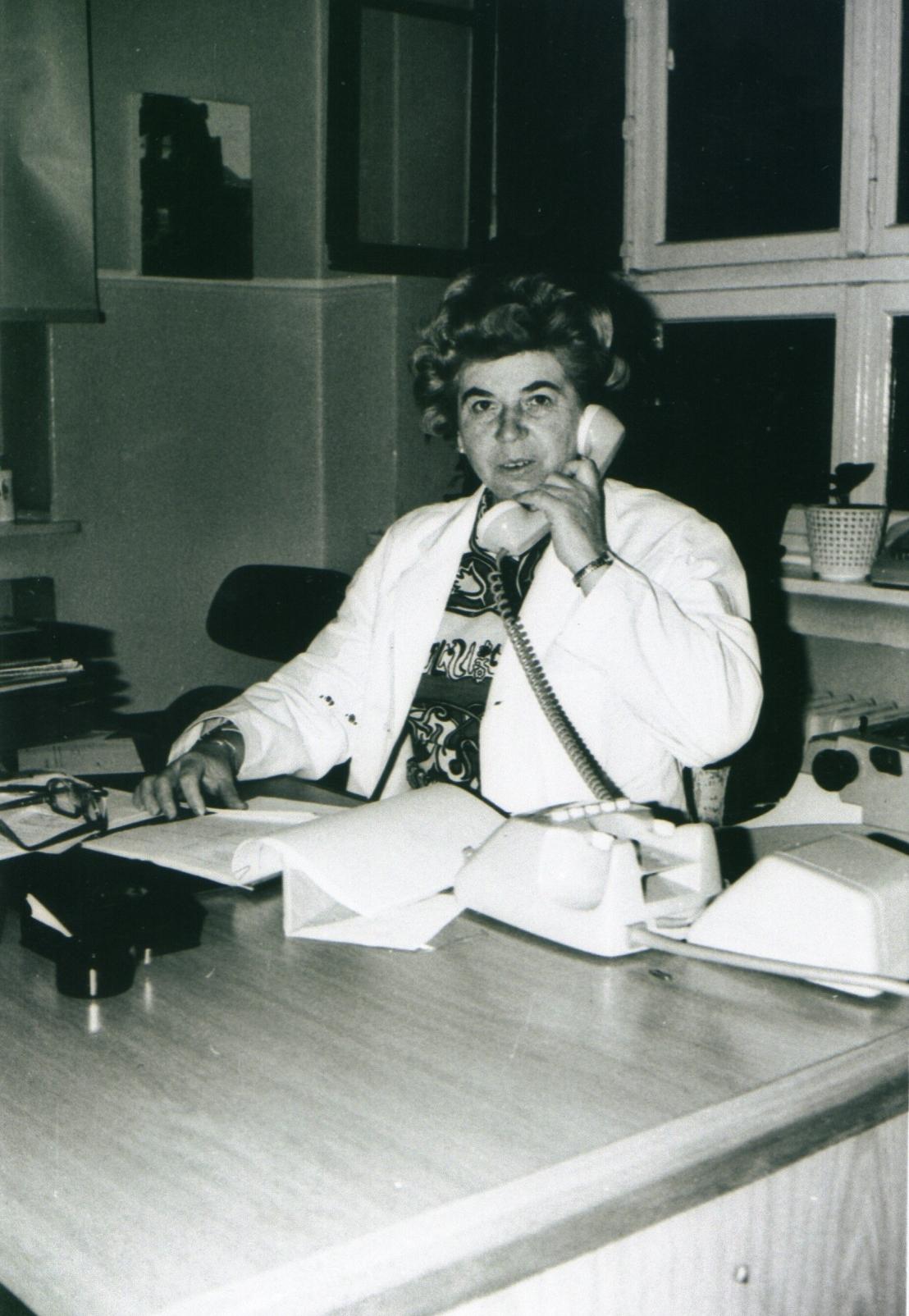 Frau Hauke, Sekretärin von Arbeitsdirektor Heinz Tafel
