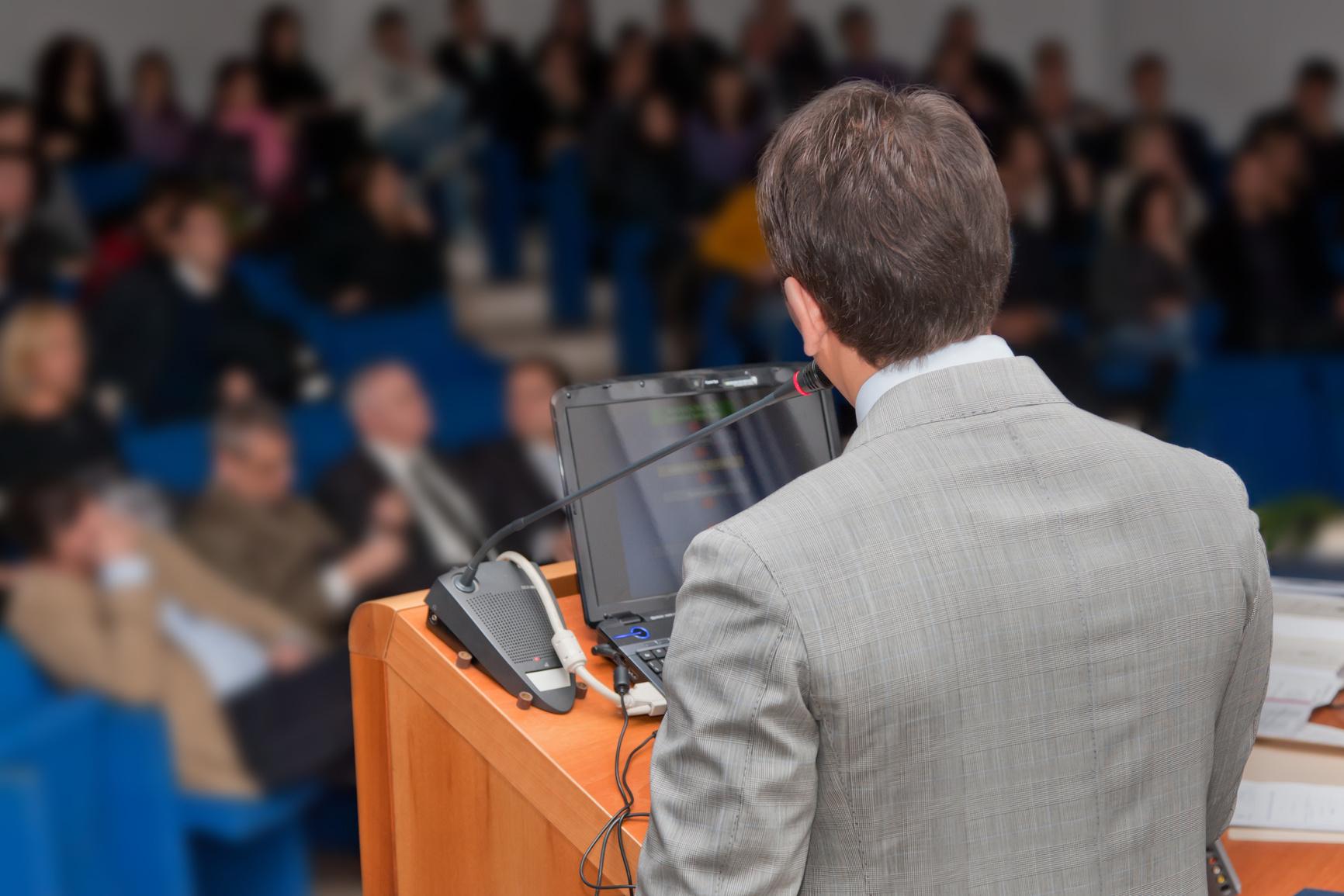 Angst vor Auftritten und Präsentationen erfolgreich auflösen